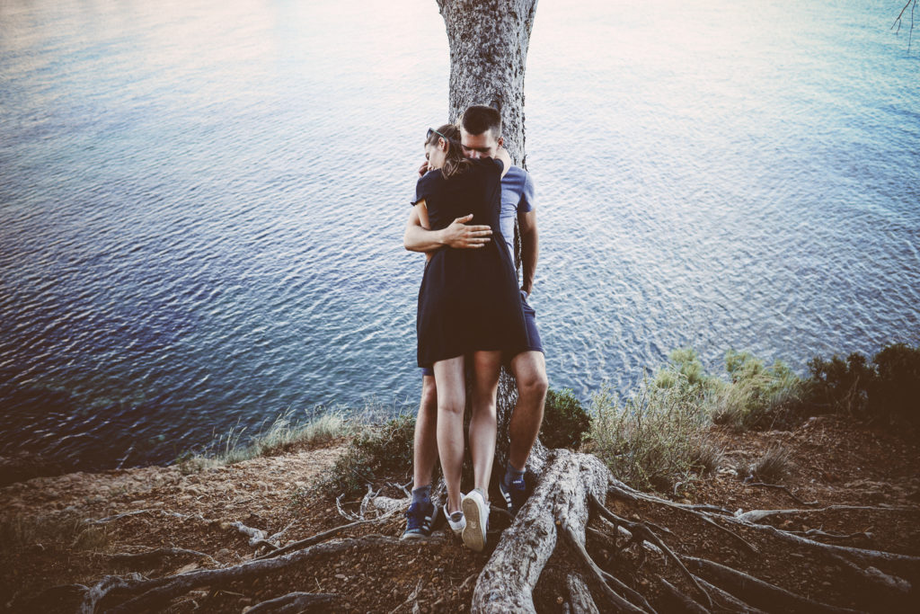 Photographe alternative couple la ciotat phosphenes photography